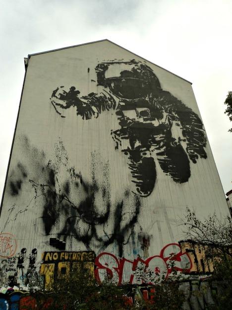 El astronauta, Victor Ash