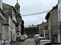 Rúa do Carme e Muralla Romana de Lugo