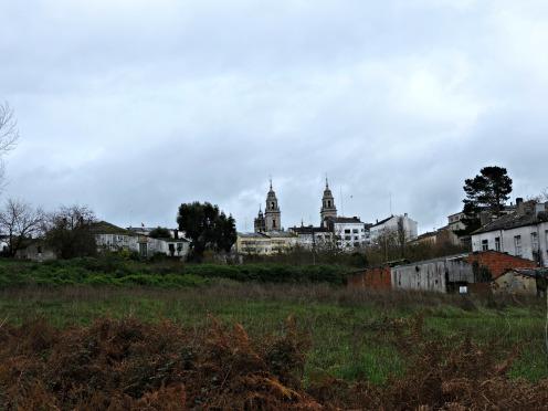 Vista da Catedral dende a Rúa do poeta Noriega Varela