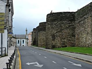 Muralla entre a Porta do Bispo Odoario e a Porta Mñá ou do Carme