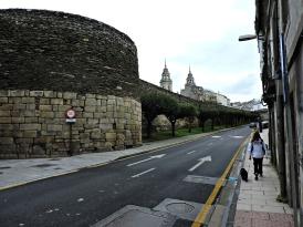 Muralla entre a Porta Miñá ou do Carme e a Porta de Santiago