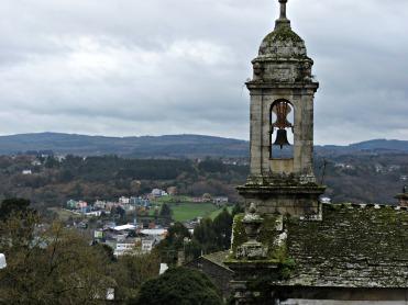 Igrexa do Carme e vista dos arredores da cidade