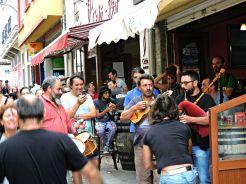 Ambiente de festa nas rúas de Ortigueira