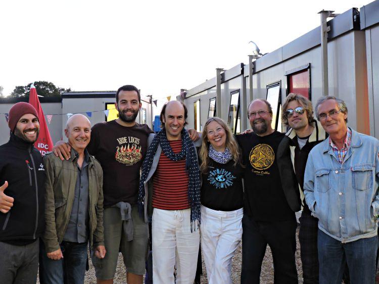 Xurxo Núñez, Pancho Álvarez, Guido Álvarez, Carlos Núñez, Sonja Davison, John Davison, Jon Pilatzke e Roque Hernández