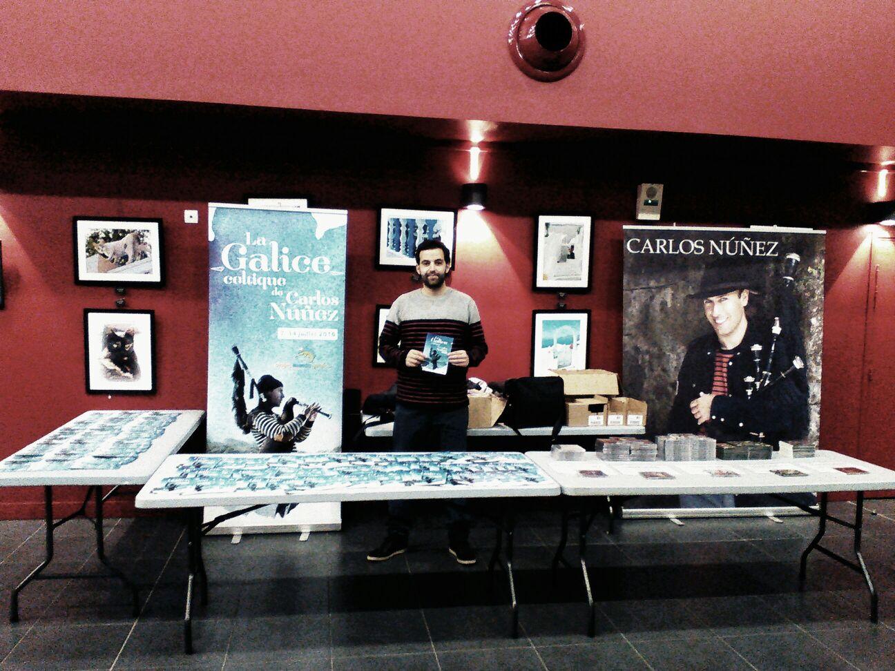 Imaxe: Primeiro stand promocional de #LaGaliceCeltiqueDeCarlosNúñez, en Ballancourt