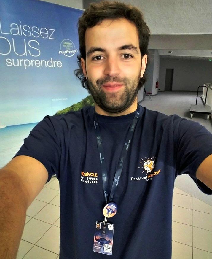 Camiseta de voluntario do FIL 2016