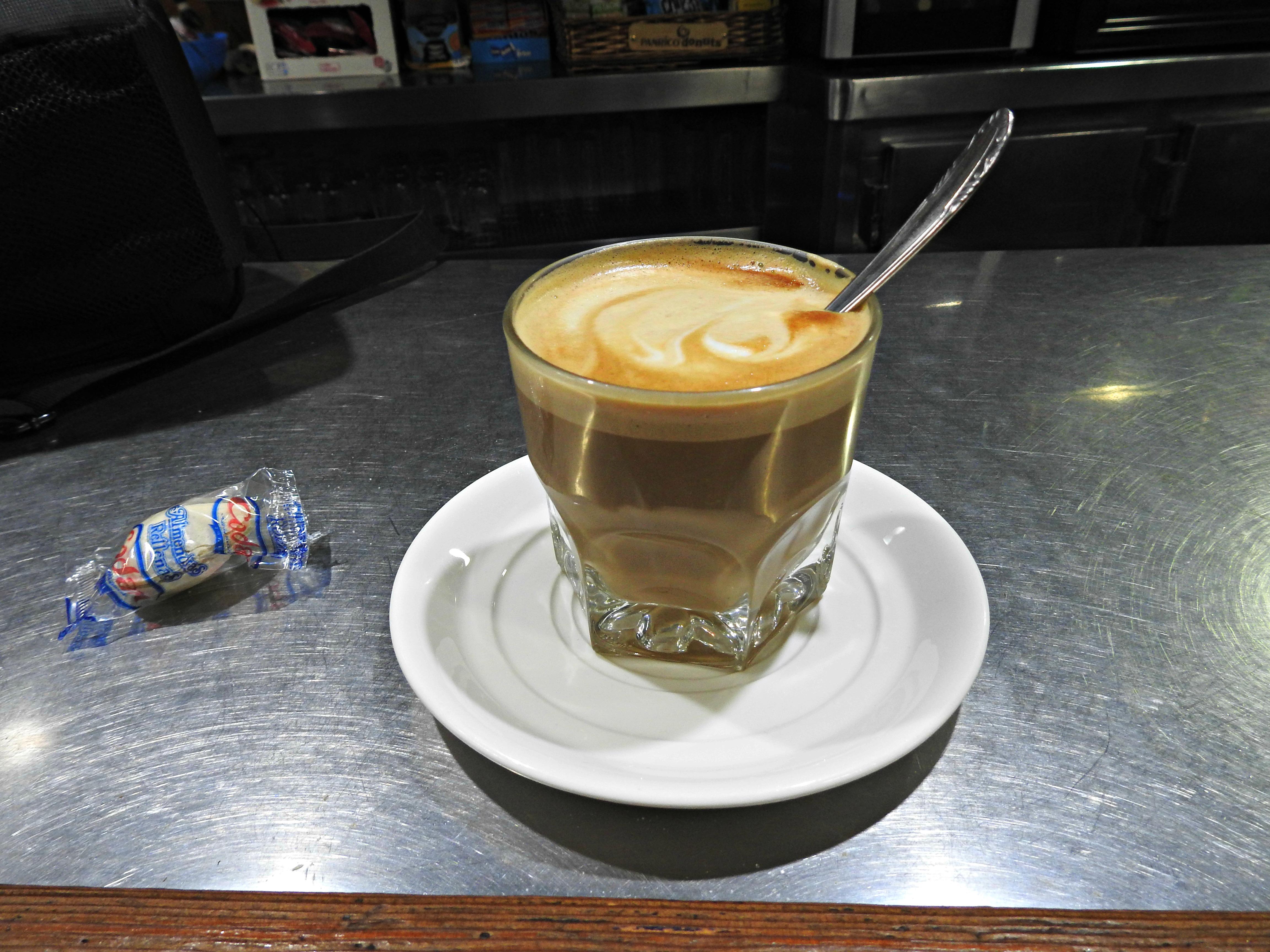 O primeiro café antes de comezar a ruta, no Café-Bar Centro de Grandas