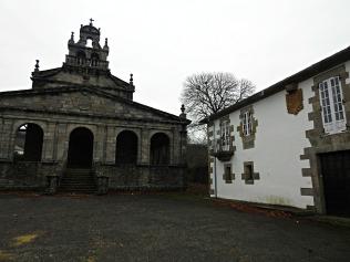 Pazo e igrexa de Santa María de Vilabade