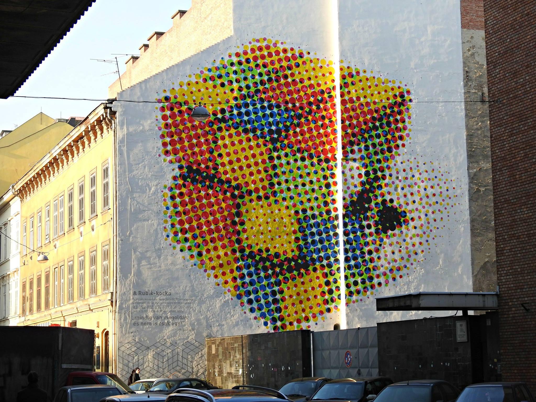Grafitti do cubo de Rubik, un invento de Budapest