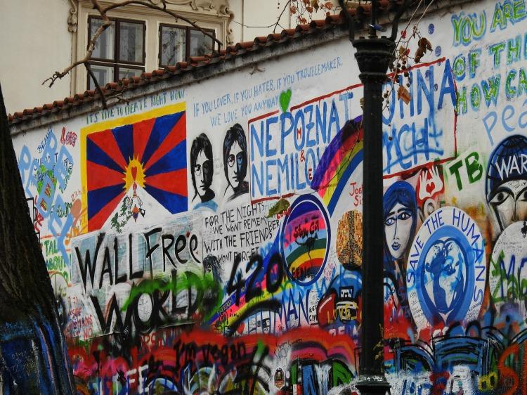 Muro en homenaxe a John Lennon